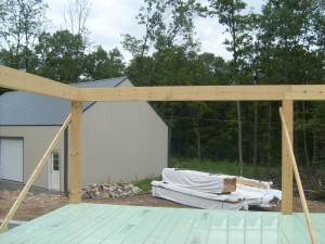 post & beam construction, heavy timber, Timberhaven log homes, log cabins, post & beam, home under construction