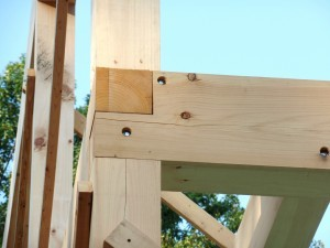 corner assembly for post & beam construction, lag bolts used, kiln dried, heavy timber, Timberhaven log homes, log cabins, post & beam