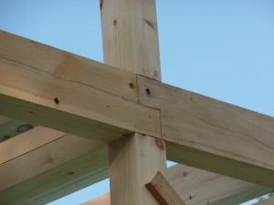 corner assembly for post & beam construction, heavy timber, Timberhaven log homes, log cabins, post & beam