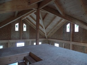 loft view of post and beam ceiling, post and beam house, laminated logs, heavy timbers, Timberhaven, log homes, log cabin kits, kiln dried