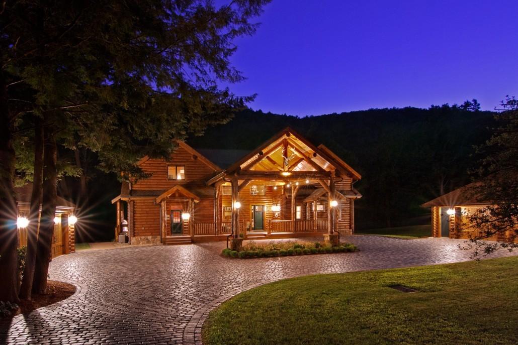 Grand lodge log home tour timberhaven log timber homes - Casas de troncos redondos ...