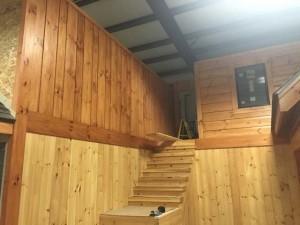 log siding installation examples, product display areas, board & batten siding, kiln-dried log siding, beveled log siding