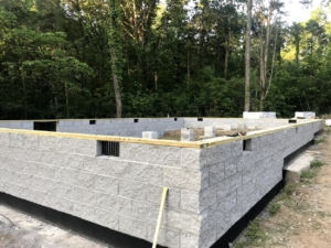 blocks for crawlspace foundation, new model log home, foundation, crawlspace, foundation for new log home, log home foundation